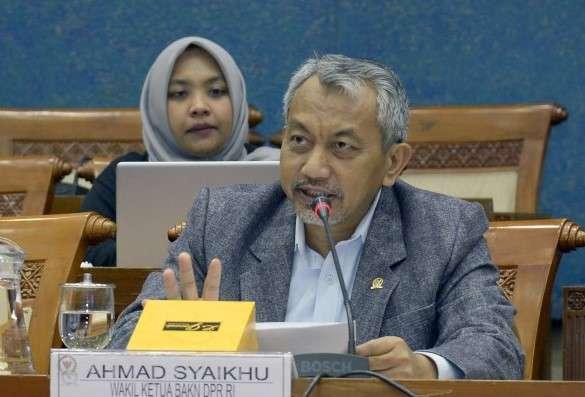 Komisi V DPR Minta Pemerintah Izinkan Ojol Bawa Penumpang Saat New Normal
