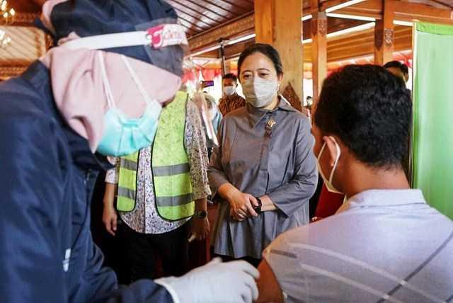 Fotokopi KTP Syarat Vaksin, Ketua DPR: Tolong, Jangan Persulit Warga